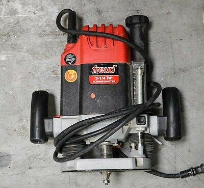 Freud FT2200VCA  3-1/4HP Plunge Router