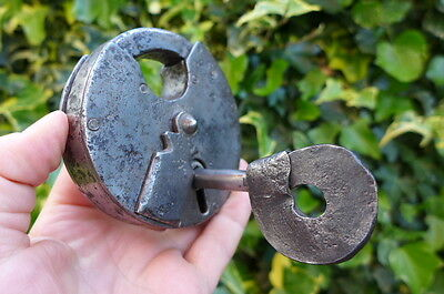 Antique Round Padlock with one key, working order, beautiful padlock UNIQUE