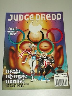 2000Ad Megazine #38 Vol 2 Judge Dredd With Free Gift*