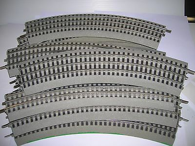 Lionel Fastrack 036 curves 10 pieces used ,list for new is $54.90 lot # 9043