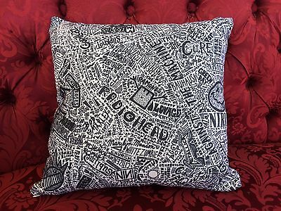 Pillow: 1000 Rock Bands Green Day,arcade Fire,my Chemical Romance...