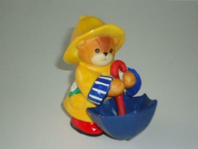 LUCY & ME Bear in Yellow Raincoat & Hat, Blue Umbrella ~ Enesco Lucy Rigg 1994