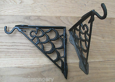 1 x CAST IRON PORCH GARDEN FLOWER BASKET LANTERN HANGING BRACKET HOOK WALL MOUNT