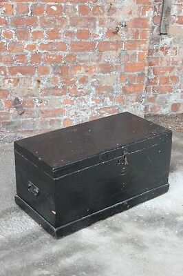 Early 20Th Century Solid Painted Black Pine Storage Chest - Wooden Trunk
