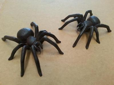 A Pair of Rustic Cast Iron Spiders Garden Home Ornaments Hanging / Wall mounted
