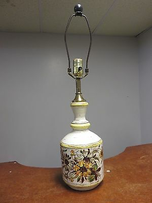 Vintage Italy Mid Century Baje 1720 CB Floral Flower Pottery Table Lamp