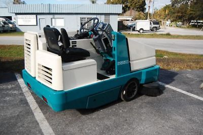 Tennant 6550E Ride On Re-manufactured Sweeper ELECTRIC - Free Shipping*