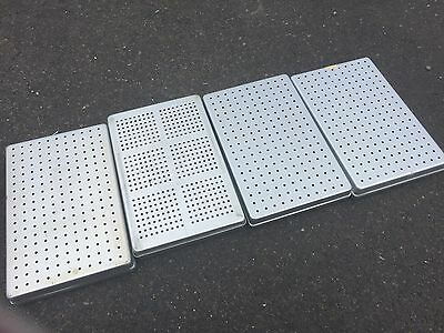 4x NORM TRAY STERIBOX  STERILCONTAINER GELOCHT NORMTRAY ALU