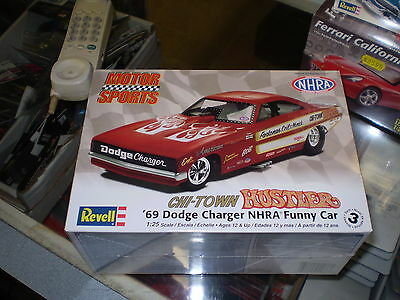 Revell 85-4286 Chi-Town Hustler '69 Charger Nhra Funny Car Model Kit 1/25 New