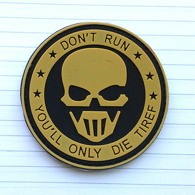Tan Skull Don't Run 3D Pvc Morale Badge Usa Army Tactical Rubber Hook Loop Patch