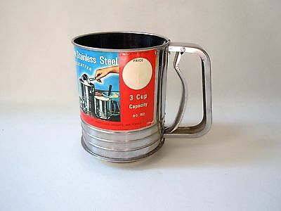 Vintage Fairgrove Stainless Steel Squeeze Flour Sifter 3 cups Made in Japan