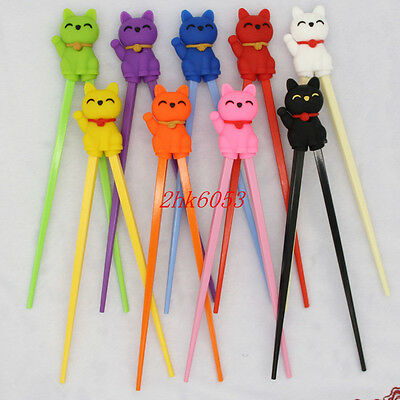 Cute 1pairs Minions Kids training Helper Learning Fun Gift Toy Cheater Chopstick