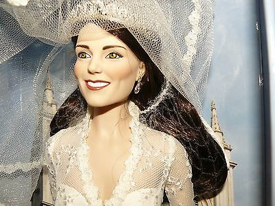 Franklin Mint Kate Middleton Royal Wedding Portrait Doll With COA & Shipping Box