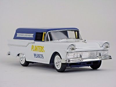 Planters Peanuts 1957 Ford Ranchero Wagon Bank by LIBERTY 1:25  DIE CAST Boxed