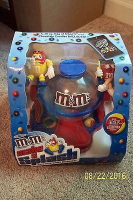 M & M MAKE A SPLASH Candy Dispenser Collectible - NEW