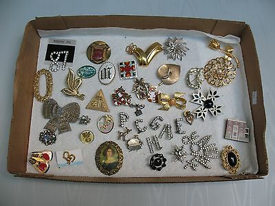Huge Mixed lot brooches some are vintage