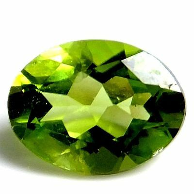 NATURAL MARVELLOUS GREEN PERIDOT LOOSE GEMSTONES (6 x 4.1 mm) OVAL-CUT