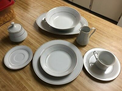Teinshan china classic white with gold trim 5 piece service for 8