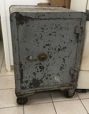 Antique Cast Iron YALE Safe w/ Combination Working Huge HEAVY on Wheels New York