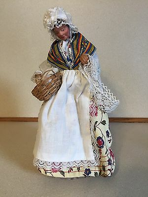Vintage Bisque Clothed Old French Woman - Cadeaux Catherine Isabelle