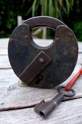 Antique Padlock with one working key Round Shape