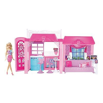 Barbie Pink-Tastic Glam Vacation House & Doll Gift Set