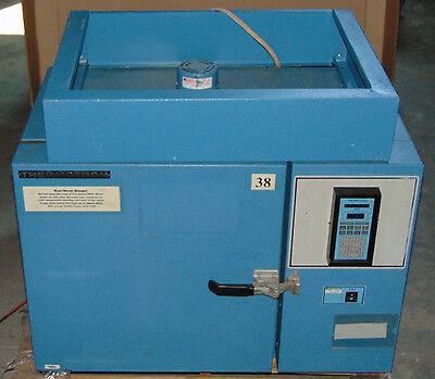 Thermotron S 1.2-H Heating Environmental Chamber with 2800 Digital Controller