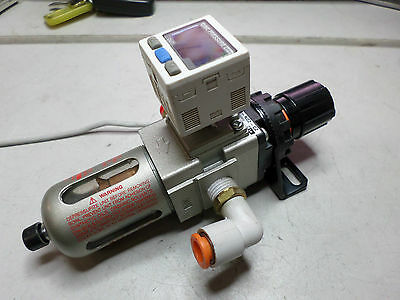 SMC PNEUMATICS - ISE30-T1-65 - REGULATER and PRESSURE SWITCH Combo. Very Nice