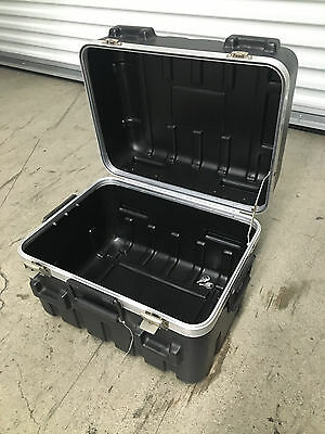 SKB Shipping Cases ATA Equipment Case - no foam 17 3/8 x 13 x 13 - Slightly Used