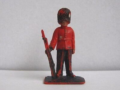 1 x LONE STAR BRITISH GUARDS 1960's PLASTIC TOY SOLDIER. HARVEY SERIES.
