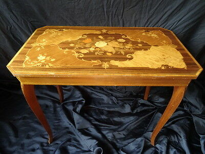 Fancy Vintage Italian Satinwood Marquetry Floral Inlaid Occasional Table