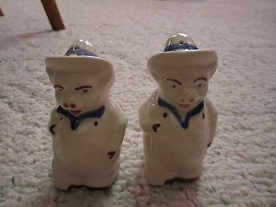 Shawnee Hayseed Farmer Pig Salt & Pepper Shakers!!