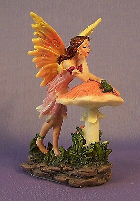 NEW Pink Fairy With Toadstool Decorative Figurine Ornament 11 cm High