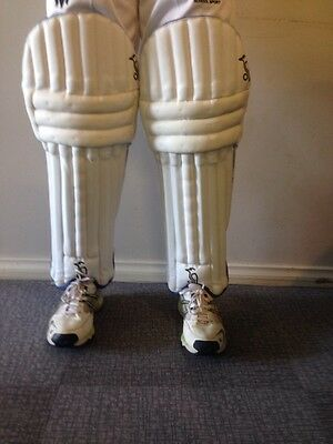Cricket Batting Pads Kookaburra Bubble Pro 800 Youths RH