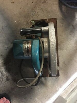 Makita circular saw model 5900B (235mm) with blade made in Japan. Free Postage