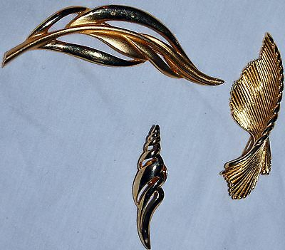Vintage Gold Tone Pin Brooch Lot 3 Monet Tie Clip Leaf Art Deco Shell Large