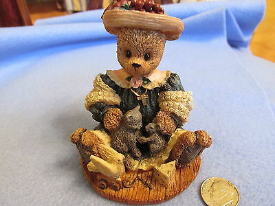 Resin Bear With Cat Dove & Mouse Blessed Are The Peacemakers Berry Hill Bears