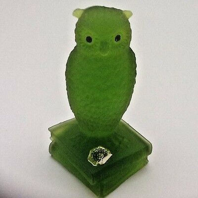 Westmoreland Green Glass Owl Paperweigt ~ Original Foil Tag ~ Excellent