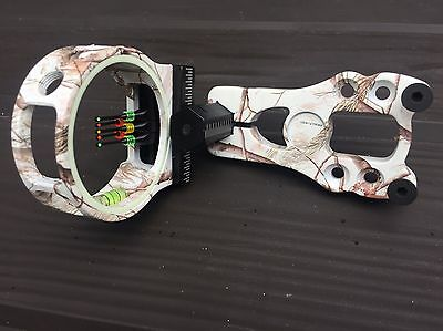 Archery bow sighting  Camo white 5 pin and comes with a  sight light