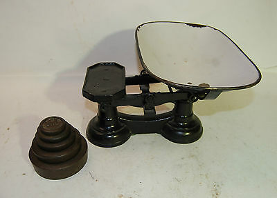 Vintage W & T Avery Cast Iron Scale w/ Porcelain Tray, Pan, Bowl, with 5 Weights