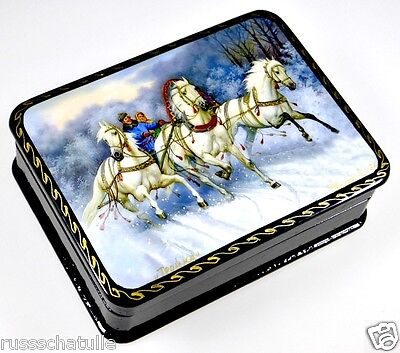 """Schimmeltroika"" Russische Lackmalerei Lackdose Schatulle lacquer box Fedoskino"