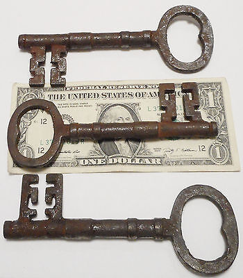 Early 1800s Antique Style REPLICA LARGE Skeleton Keys {Lot of 3} Cast Iron ><>