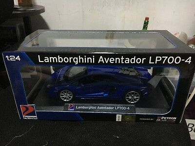 Lamborghini Aventador LP700-4 Diecast 1:24 W/ Lights And Sounds Sold Out!