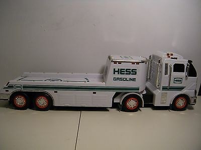 2010 Hess Gasoline  Toy Semi Truck With Lights