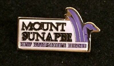 MOUNT SUNAPEE Resort Skiing Ski Pin NEW HAMPSHIRE NH Souvenir Travel