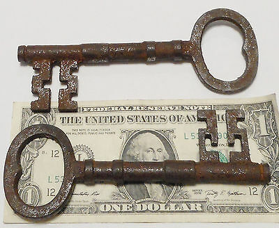Early 1800s Antique Style REPLICA LARGE Skeleton Keys {Lot of 2} Cast Iron ><>