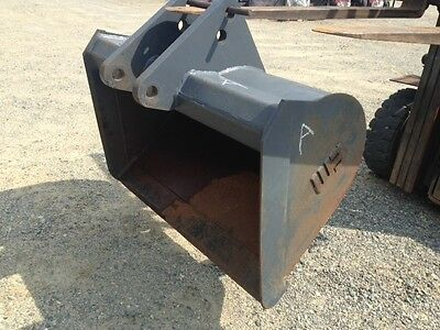 Ford New Holland Case John Deere Bucket