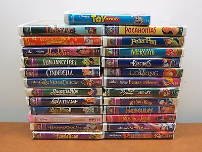 Lot of 25 Walt Disney Clamshell VHS Cartoon Movie Lot