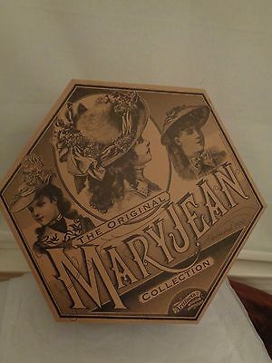 ARTIFACTS MARYJEAN Vintage Collection 1999 hat box NWOT