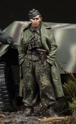 THE BODI WWII SS PANZER RECON OFFICER #2 Scala 1:35 Cod.TB35081